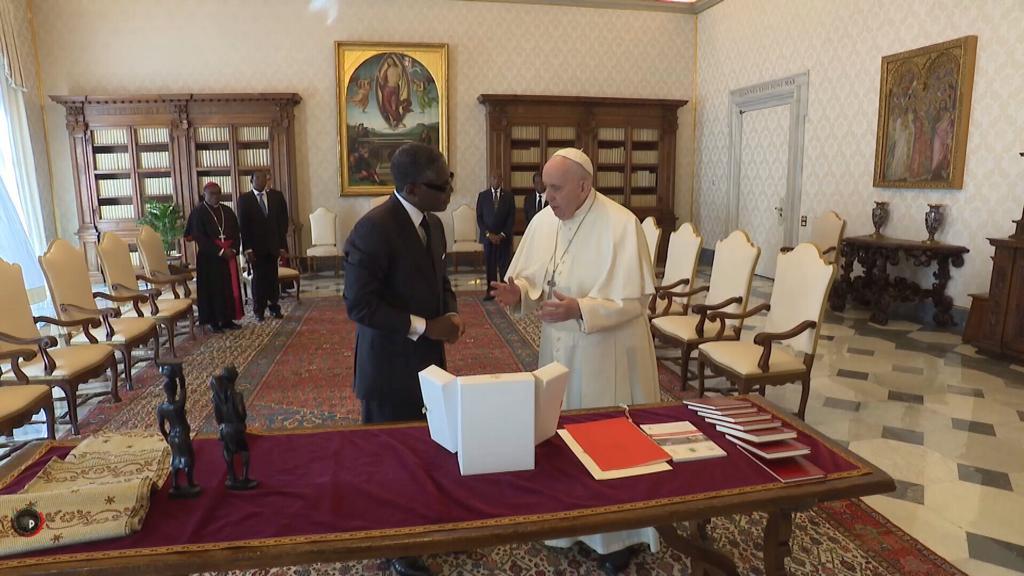 Guinea Ecuatorial invita al papa Francisco a visitar nuestro país