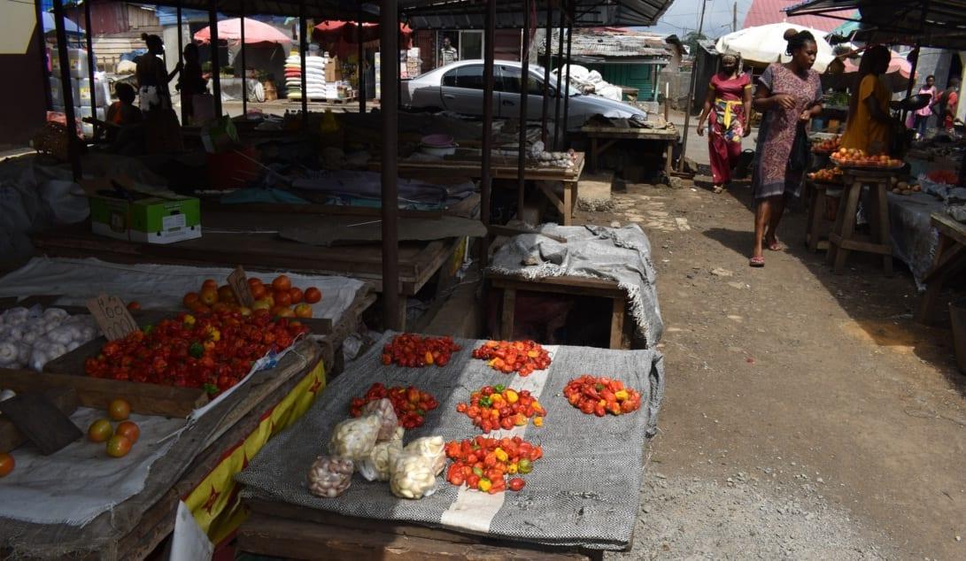 Los mercados de Malabo atraviesan una autosuficiencia de ingredientes