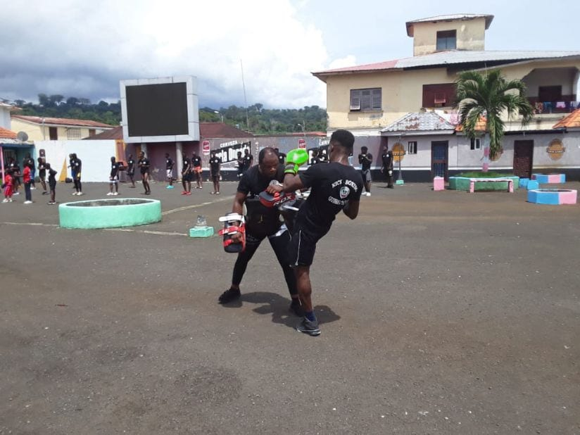 La FEGUIKICK realiza un seminario en la ciudad de Luba para fomentar el Kickboxing en Bioko