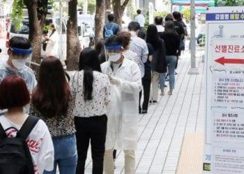 Corea del Sur reanuda este lunes la vacunación con AstraZeneca en menores de 60 años