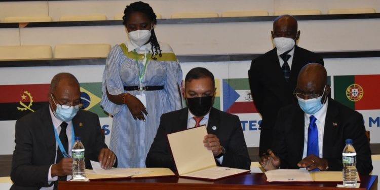 La CPLP creará un tribunal de arbitraje y un banco de desarrollo para facilitar el ambiente de negocios en la comunidad