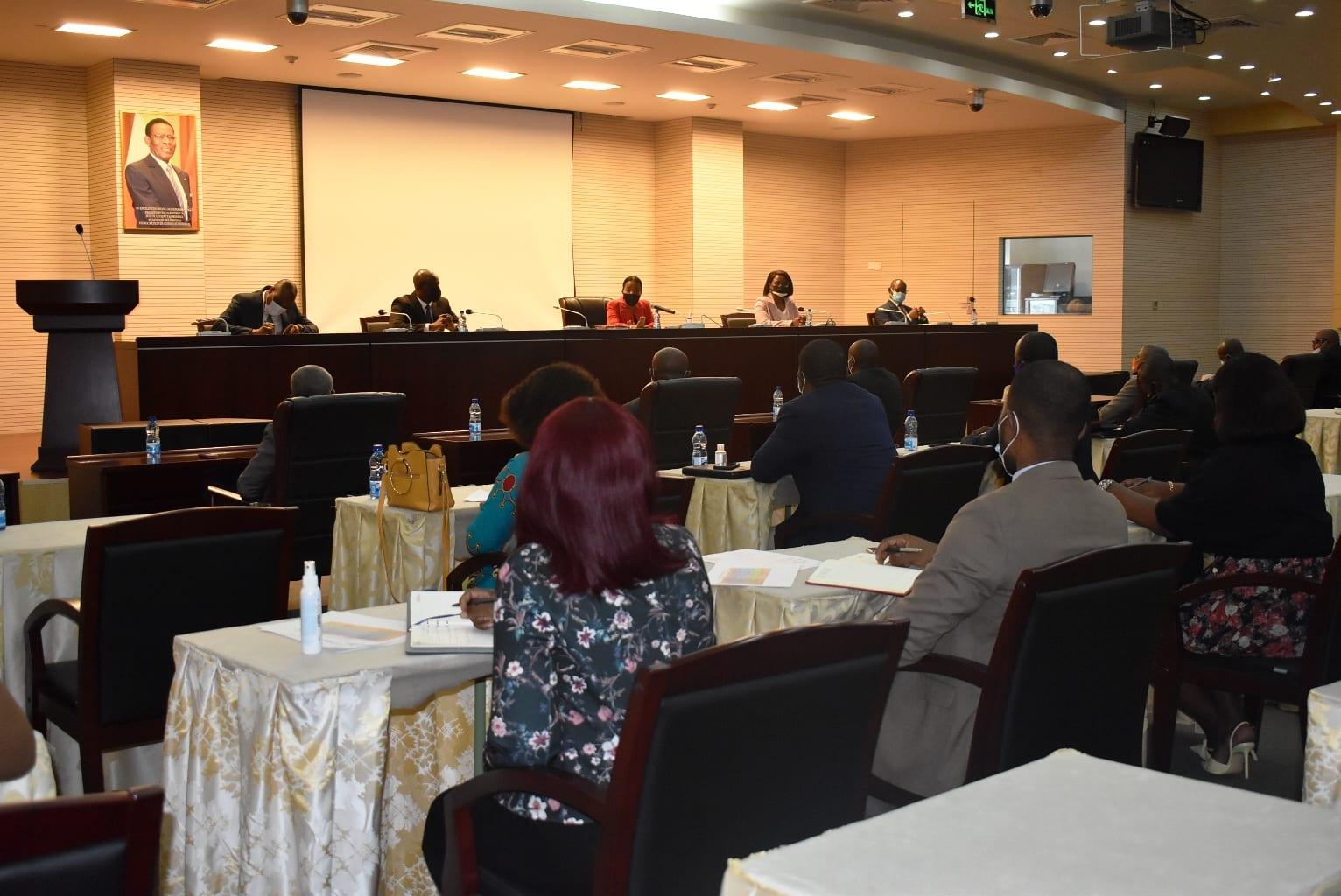 El Gobierno pone en funcionamiento los servicios administrativos de los distritos urbanos recién creados