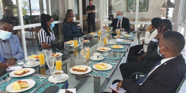 El Embajador de España mantiene un encuentro con representantes de algunos medios de comunicación nacional
