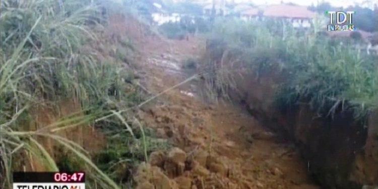 Derrumbe de tierra hasta 3m en la zona de Nkoantoma-Bata