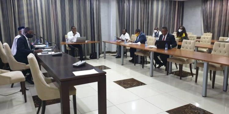 Periodistas de Guinea Ecuatorial reciben un seminario de capacitación sobre el periodismo de datos financiado por el BM