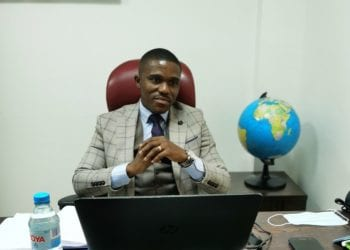 """Casimir Mangamba: """"nuestra clave es saber escuchar a los clientes, trabajar a tiempo real, formar al personal y precios módicos"""""""
