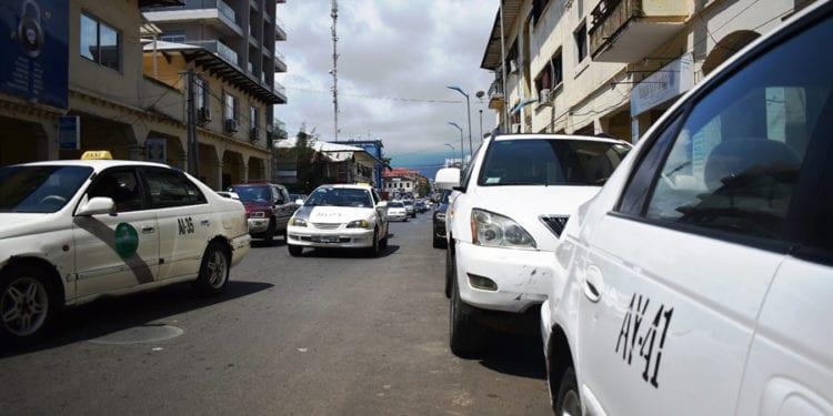 Los taxis con seguro podrían empezar a cobrar 1.000 FCFA por persona a partir de mañana