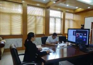 Qi Mei con el grupo de seminaristas