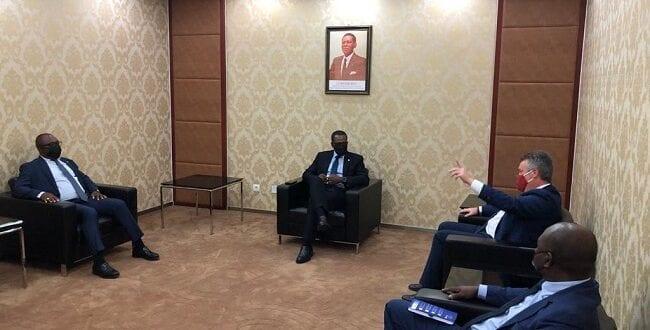 Directores saliente y entrante de TOTAL G.E. son recibidos por Gabriel Mbaga Obiang Lima