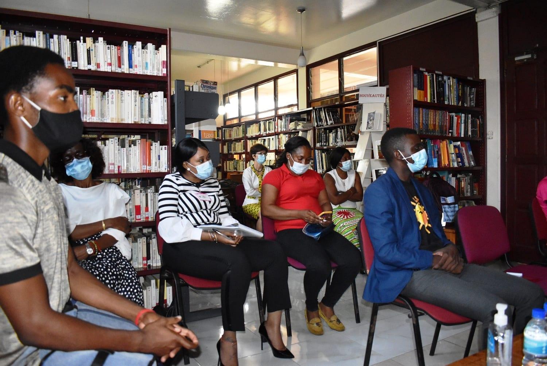 La embajada de Francia en Malabo promueve un debate abierto sobre la igualdad de género y la educación de las niñas