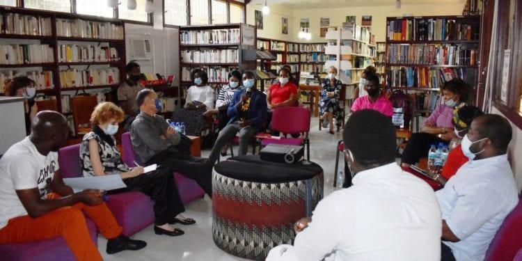 La embajada de Francia en Malabo promueve la igualdad entre hombres y mujeres y la educación de las niñas