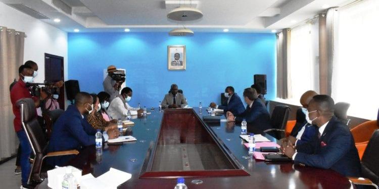 """El Gobierno crea """"Ceiba Grupo"""" de apoyo a la compañía nacional Ceiba Intercontinental"""