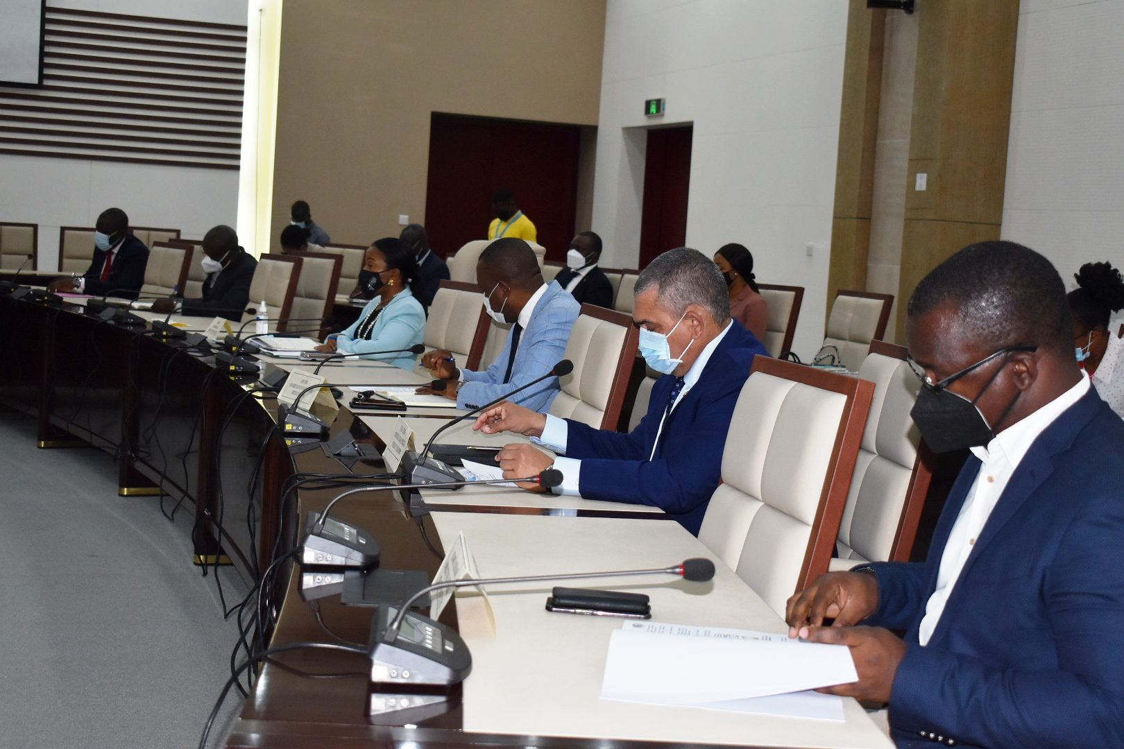 Los proyectos: La transformación de Atún en Annobón, el Aeropuerto de Bata y la central de Sendje podrían estar listos en dos años