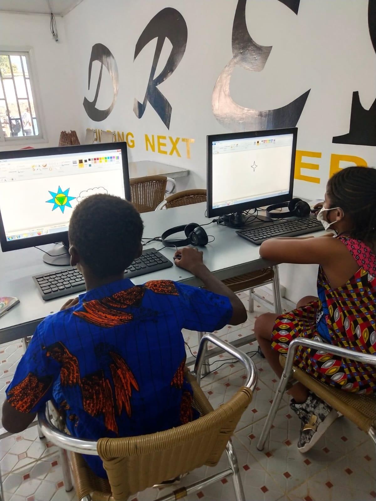 100 Niñas y niños de 7 a 13 años se beneficiarán de formación GRATUITAentorno a las nuevas tecnologías e inglés en Dreams Hub