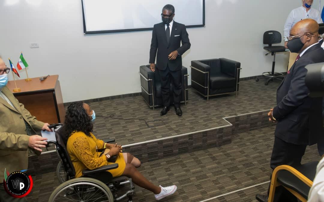 Nguema Obiang Mangue visita a los enfermos del 7M en Israel