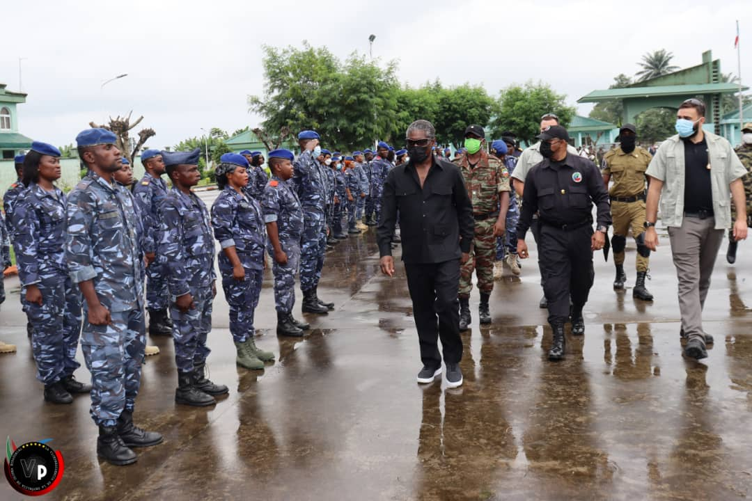 Teodoro Nguema Obiang Mangue supervisa el estado de los cuarteles militares de Malabo