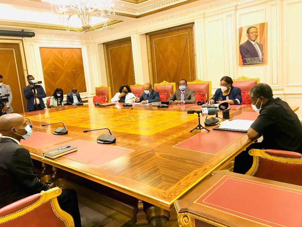 Los productores de cacao presentan sus dificultades al Vicepresidente de la República