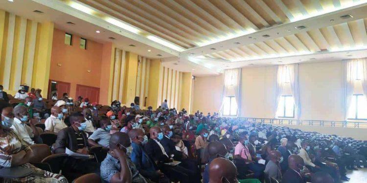Covid-19: El ministro de sanidad inicia una gira de sensibilización en la parte continental del país