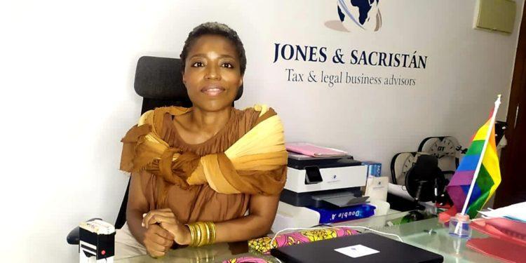 """""""Una mujer en sociedad, tiene el valor que una misma, a sí misma, se quiera dar"""": Gemma Jones"""