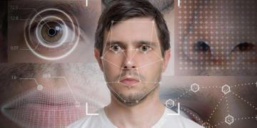 Con Android 12 podrás controlar tu móvil mediante gestos faciales