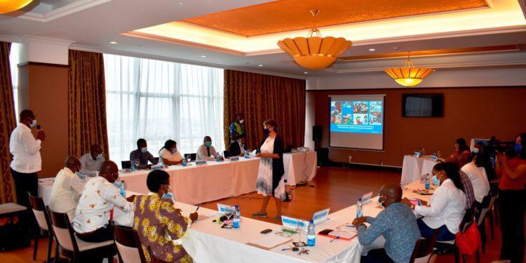 OMS desarrolla un taller sobre la autoevaluación de la regulación de los medicamentos y productos sanitarios en Guinea Ecuatorial