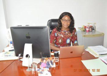 """""""Una misma debe marcar sus metas y saber rechazar las ofertas disfrazadas de vida fácil"""": Salomé Ncara Obama Afang"""