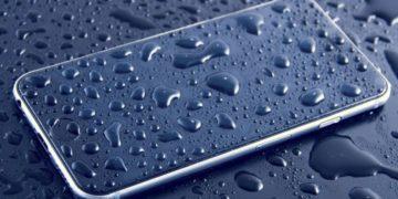 ¿Se te ha mojado el móvil? Los mejores trucos y soluciones