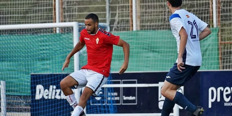 El centrocampista ecuatoguineano Pablo Ganet, el todoterreno del Real Murcia