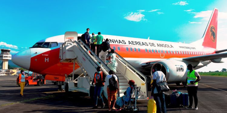 Cronos Airlines fleta un nuevo avión con 120 plazas para cubrir la demanda de la población