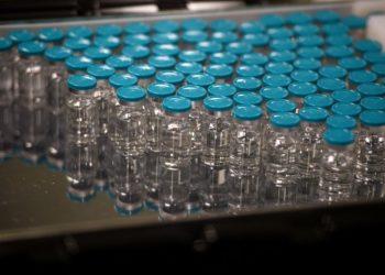 Países africanos adquieren 114 millones de dosis de vacunas contra Covid-19
