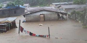 Las fuertes lluvias caídas provocan inundaciones y dejan varios daños materiales en gran parte de la ciudad de Malabo