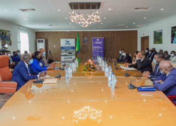 El BDEAC y la República gabonesa firman dos acuerdos de préstamo por un monto de 35 mil millones de Francos Cefas