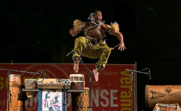 """La obra """"El percusionista"""" de Gorsy Edú participa en la 18 edición del festival de músicas mestizas (MUMES)"""