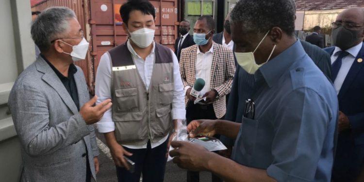 Guinea Ecuatorial recibe un importante lote de material sanitario para seguir combatiendo los efectos de la covid-19
