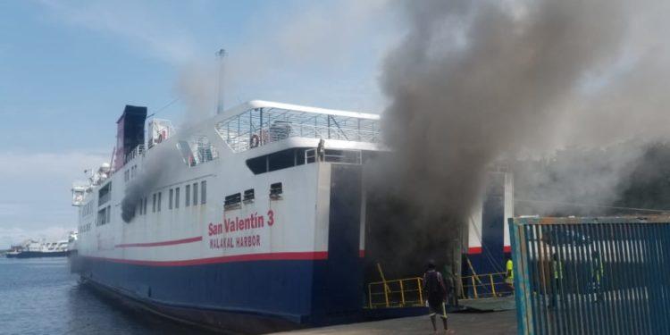 Incendio en el Barco San Valentín 3 en el Puerto de Malabo