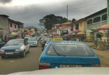 A partir de mañana lunes, los agentes de tráfico empezarán a exigir el carné de vacunación contra la Covid-19 a los conductores de Bata